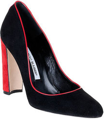 Manolo Blahnik Neurotica suede pump
